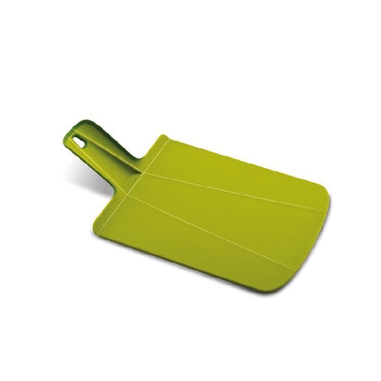 英國創意餐廚 joseph joseph 輕鬆放砧板 小綠 | 攤平可作為砧板可形成畚箕形狀,傾倒食材更方便砧板背面及把手處有止滑膠條,使用順手