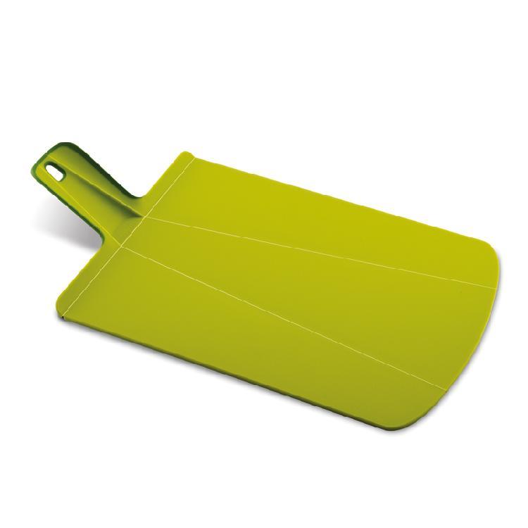 英國創意餐廚 joseph joseph 輕鬆放砧板 大綠 | 攤平可作為砧板可形成畚箕形狀,傾倒食材更方便砧板背面及把手處有止滑膠條,使用順手彈性止滑設計