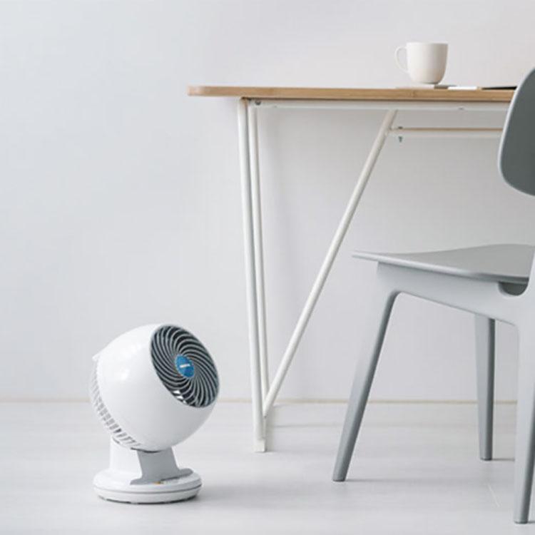 IRIS OHYAMA遙控靜音擺頭循環扇 PCF-C15T (白) | 新搭載羽毛型立體扇葉,打造更大風量節能省電, 減少家中空調費20%詳細商品介紹請查閱官網適用9坪空間